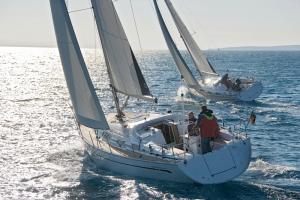 Bavaria 38 am IJsselmeer segeln