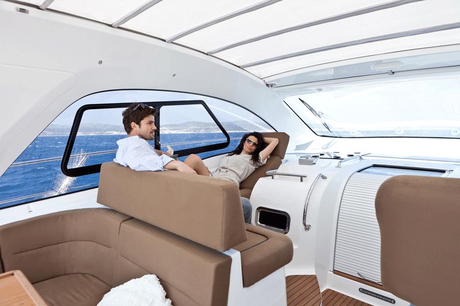 Deck Bavaria Motoryacht