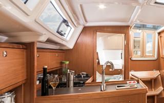 Bavaria Cruiser 34 Pantry